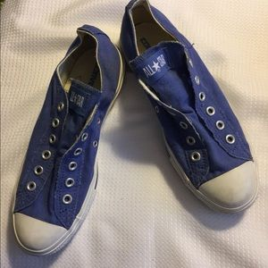 Converse Shoes - Converse slip on sneakers size 9